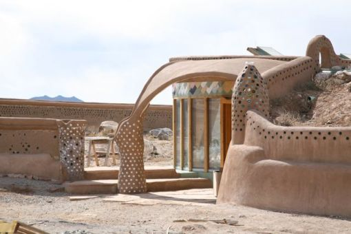 Earthship Biotecture by Michael Reynolds